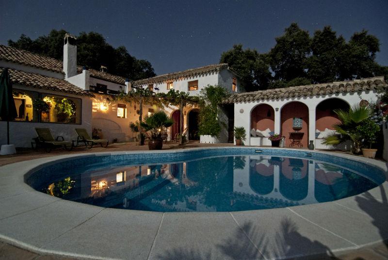 Une superbe résidence avec piscine en région PACA