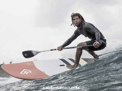 Guide : Les 5 meilleures marques de stand-up paddle