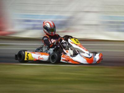 Karting et sport auto: le choix du casque
